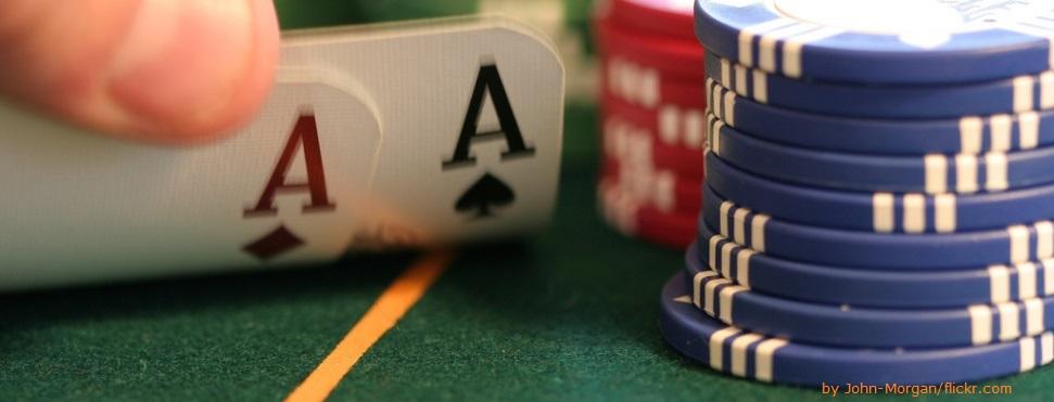 Dlaczego regulamin sklepu internetowego powinien wspominać o grach hazardowych i dostarczaniu prasy